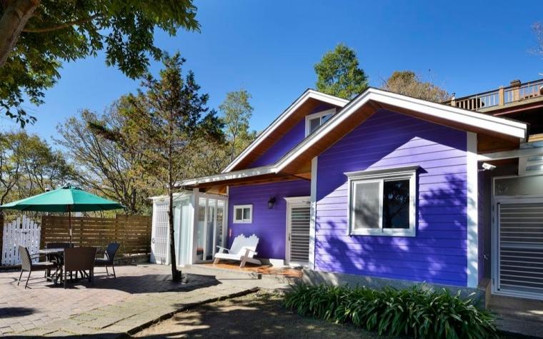 紫色景觀香杉樓中樓木屋